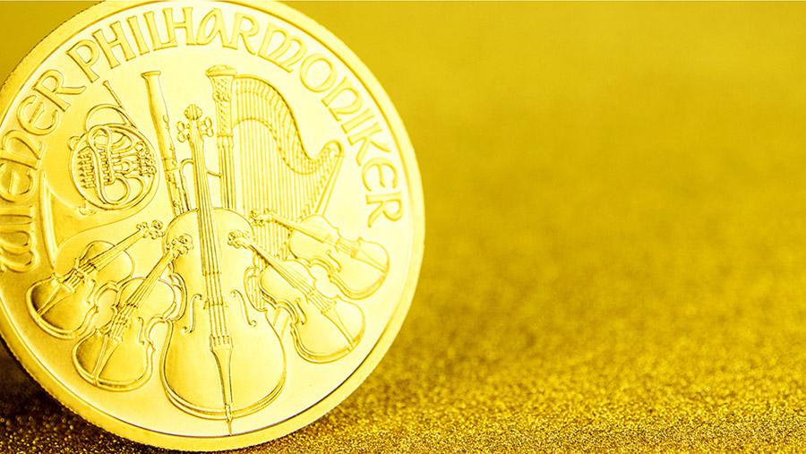 Zlaté mince verzus tehličky: V čom sú výhodnejšie?